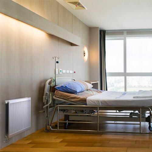 Радиатор с нижним подключением в больнице