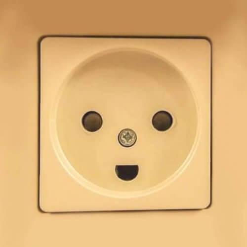 Розетка в виде улыбки (K)