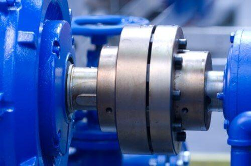 полумуфта — с её помощью соединяют двигатель с механизмом