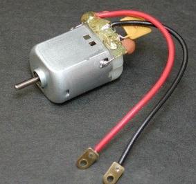 Двигатель на 12В с конденсатором